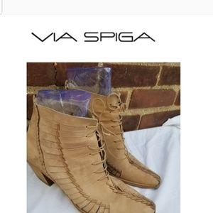 Vua Spiga tie ankle boots 9.5